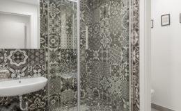 the-base-zagreb-bathroom1